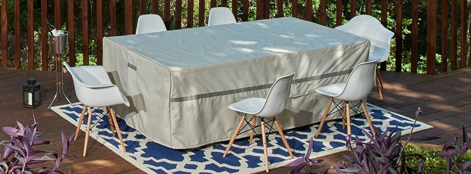 4 Risks of Leaving Your Outdoor Table Uncovered