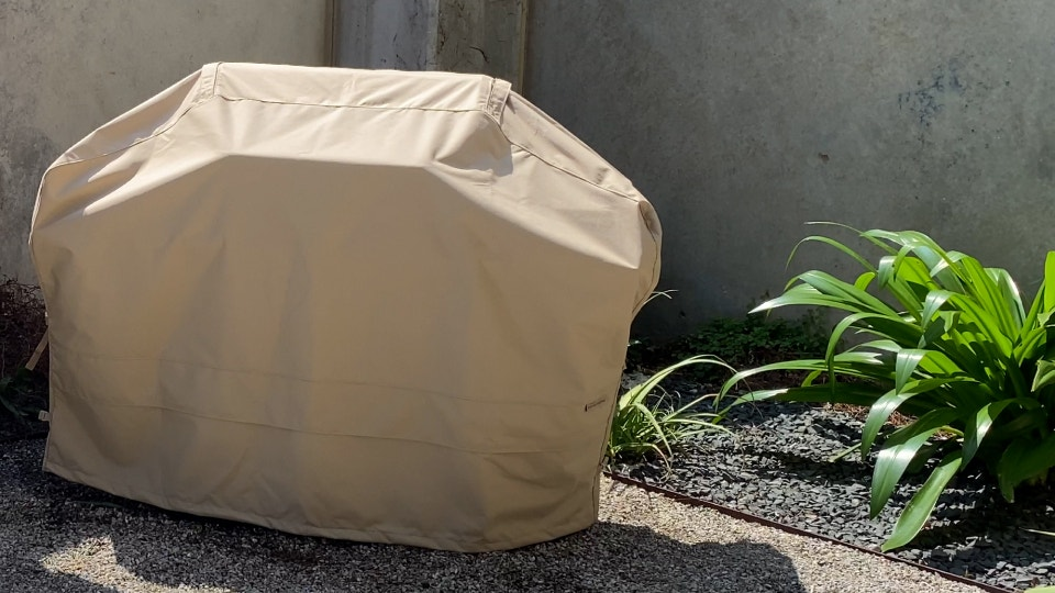 How to Clean a Grill Cover
